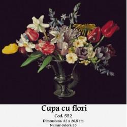 Cupa cu flori